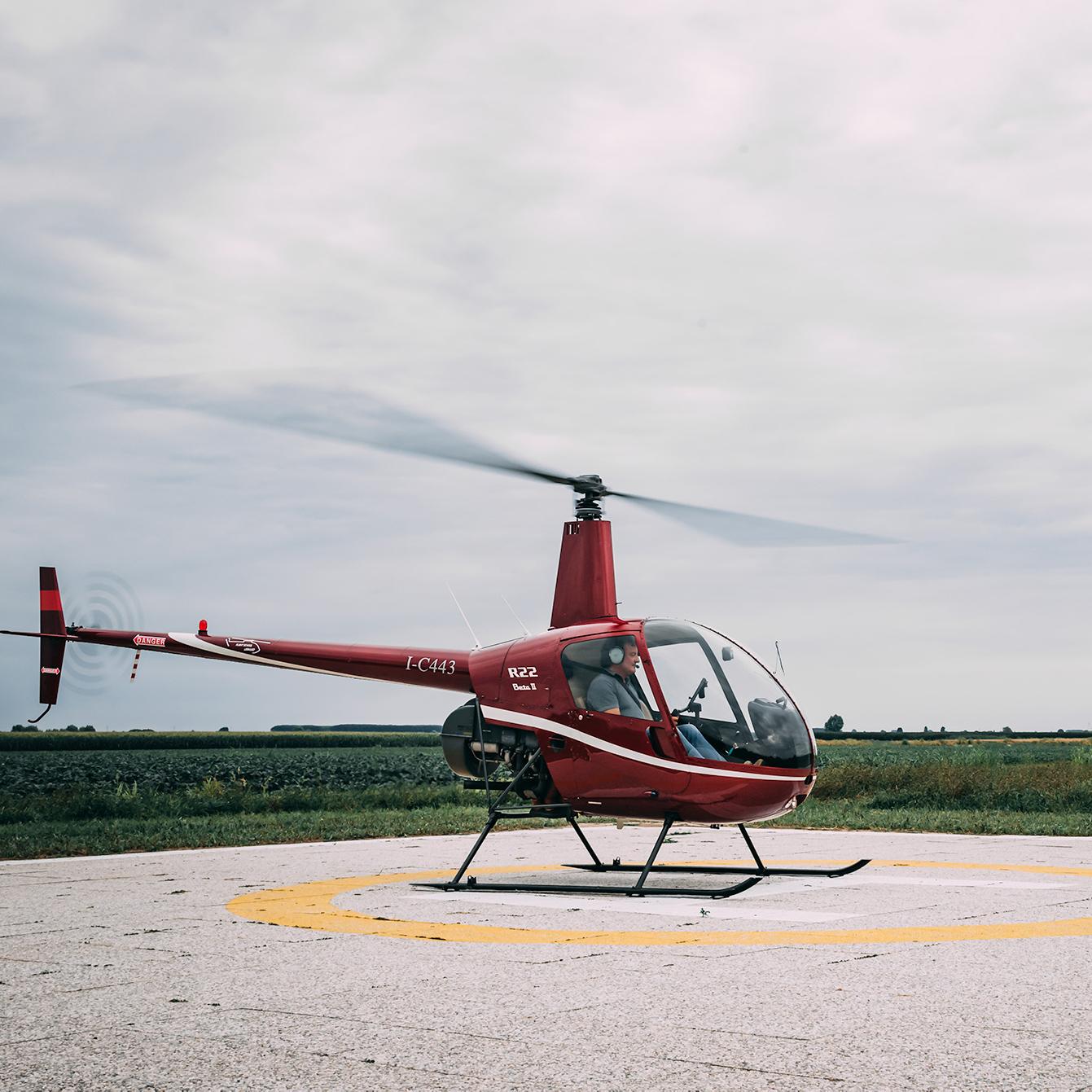 Elicottero Usato : Scuola volo elicottero aeroporto di legnago